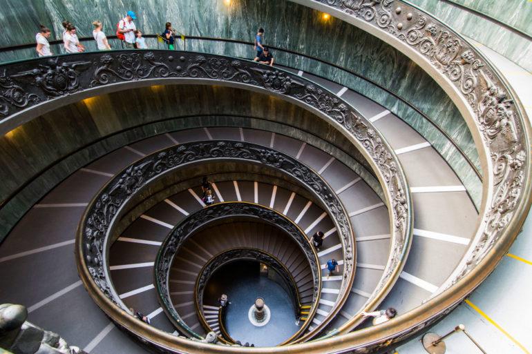 Escalera de Bramante Museos Vaticanos